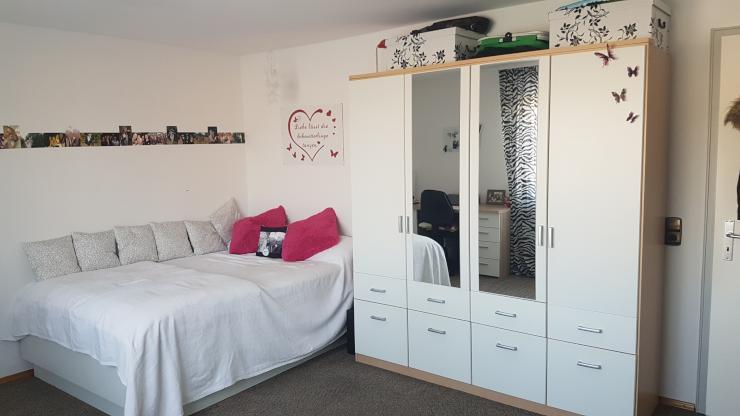 sch nes m dchenzimmer 20qm mit terasse und garten zur. Black Bedroom Furniture Sets. Home Design Ideas