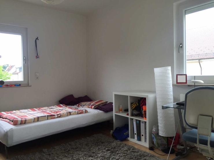 helles wg zimmer im og eines sch nen einfamilienhauses. Black Bedroom Furniture Sets. Home Design Ideas