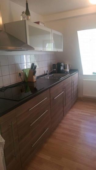 sch ne 2 zimmer wohnung direkt am regen wohnung in regensburg reinhausen. Black Bedroom Furniture Sets. Home Design Ideas