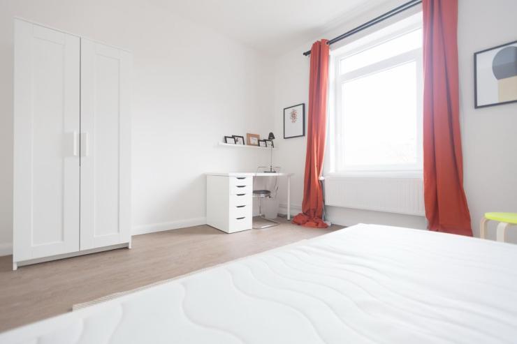 alsternahes 16m altbau zimmer mitten in der stadt wg in hamburg m bliert hamburg hohenfelde. Black Bedroom Furniture Sets. Home Design Ideas