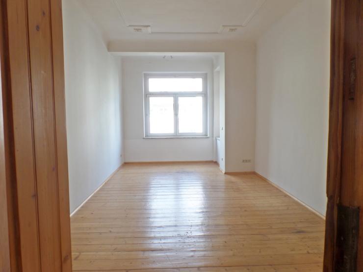 gro e 4 rw holzdielen balkon g ste wc wg geeignet wohnung in chemnitz ka berg. Black Bedroom Furniture Sets. Home Design Ideas