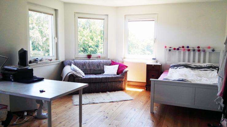 gro z giges 22 qm zimmer in sanierter altbau wohnung zimmer in frankfurt am main nordend west. Black Bedroom Furniture Sets. Home Design Ideas