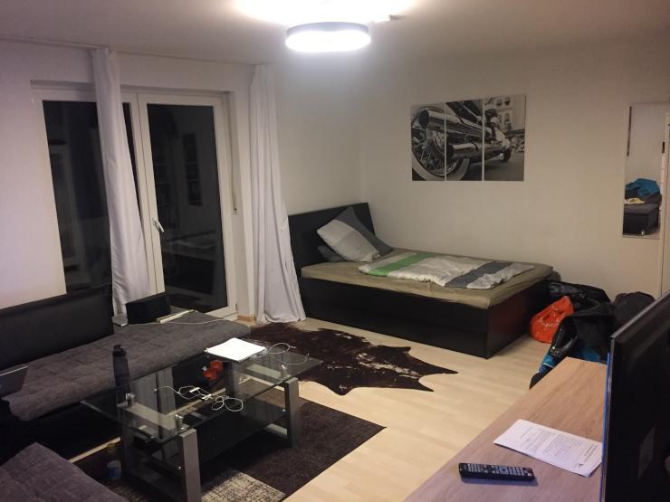 teilm bliertes 24 qm zimmer mit balkon zur kurzen zwischenmiete wg m nchen milbertshofen am hart. Black Bedroom Furniture Sets. Home Design Ideas