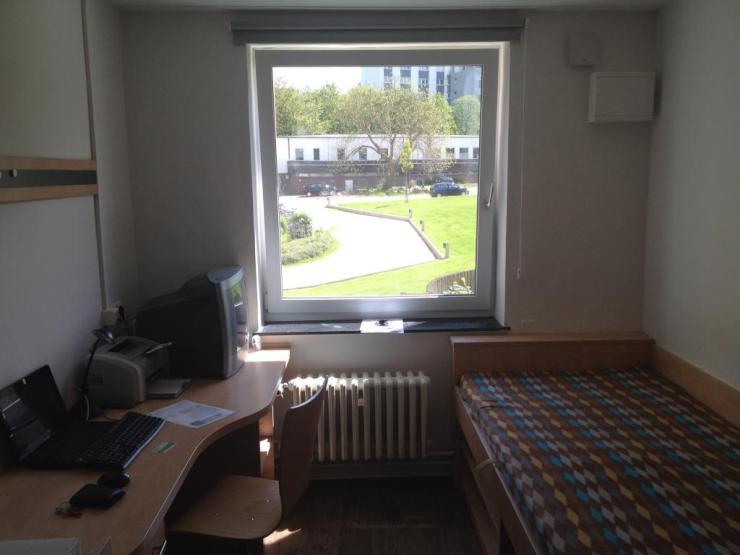 m blierte 1 zimmer wohnung im studentenwohnheim eoh 1 zimmer wohnung in kiel wik. Black Bedroom Furniture Sets. Home Design Ideas