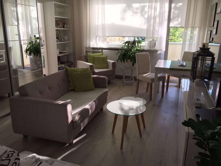 teilm blierte 1 zimmer wohnung mit balkon in neuk lln 1 zimmer wohnung in berlin neuk lln. Black Bedroom Furniture Sets. Home Design Ideas
