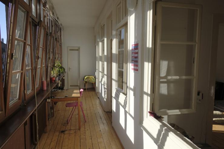 wundersch ne helle k nstlerwohnung zur zwischenmiete wohnung in karlsruhe innenstadt ost. Black Bedroom Furniture Sets. Home Design Ideas