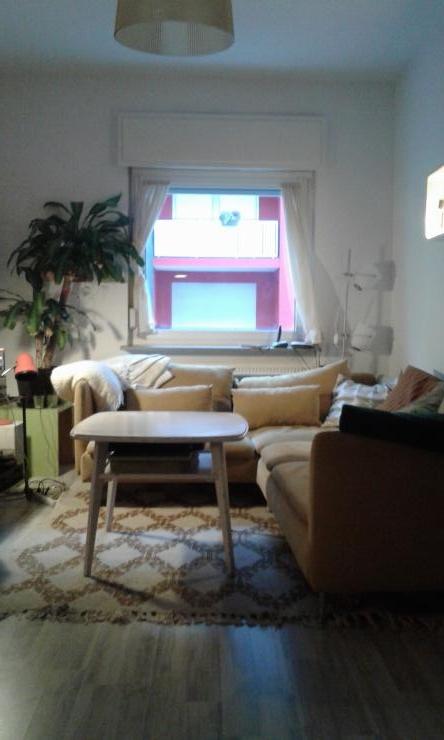 schnuckelige 2 zimmer wohnung mit gemeinschaftsgarten und glas berdachtem innenhof wohnung in. Black Bedroom Furniture Sets. Home Design Ideas
