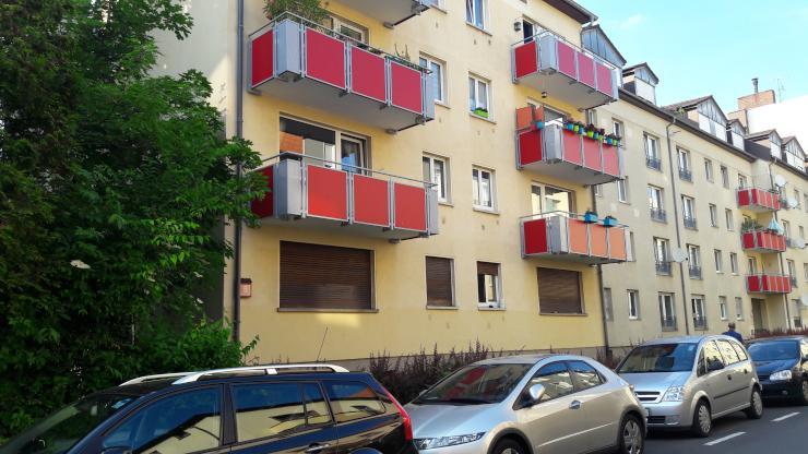 1 zimmer appartment mit balkon im nordend ost 1 zimmer wohnung in frankfurt am main nordend ost. Black Bedroom Furniture Sets. Home Design Ideas