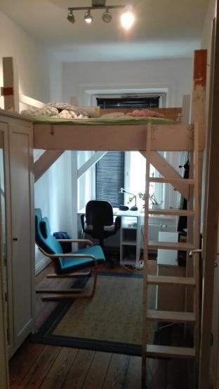 9qm zimmer frei in 4er wg und sch nem viertel hoheluft wg zimmer in hamburg hoheluft ost. Black Bedroom Furniture Sets. Home Design Ideas