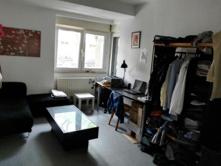 gro es zimmer in einer 2er wg in k ln buchforst gute lage m blierte wg k ln buchforst. Black Bedroom Furniture Sets. Home Design Ideas