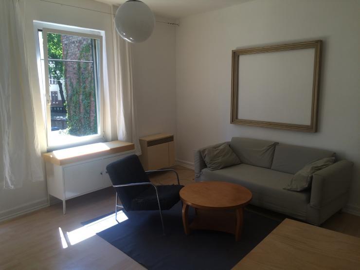 m blierte 1 zimmerwohnung in perfekter lage mit hinterhofidyll 1 zimmer wohnung in frankfurt. Black Bedroom Furniture Sets. Home Design Ideas