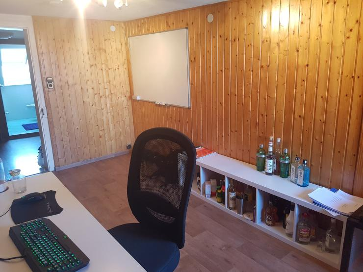 sch ne 30m in netter 3er wg in offenburger innenstadt. Black Bedroom Furniture Sets. Home Design Ideas