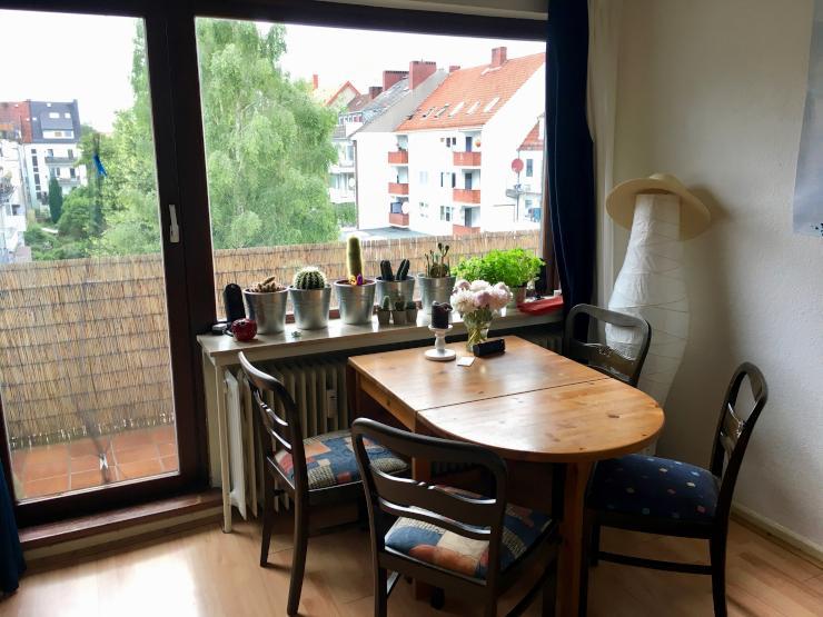 noch aktuell viertelnahe 1 5 zimmer wohnung mit balkon zum gr nen hinterhof 1 zimmer wohnung. Black Bedroom Furniture Sets. Home Design Ideas