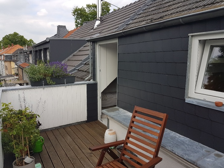 wundersch ne whg mit grossem sonnenbalkon in braunsfeld. Black Bedroom Furniture Sets. Home Design Ideas