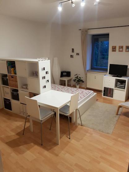 sch ne top gelegene 1 zimmer wohnung zur zwischenmiete im frauenland zu vergeben 1 zimmer. Black Bedroom Furniture Sets. Home Design Ideas
