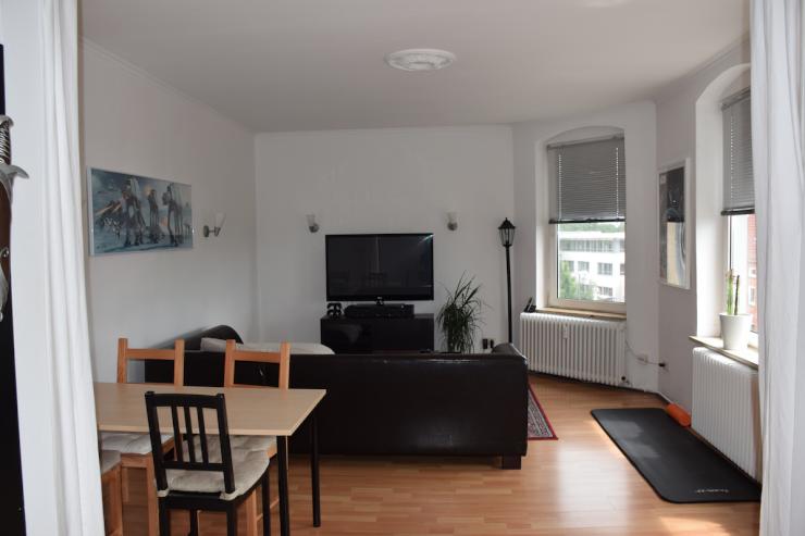 gro e drei zimmer altbau wohnung in kiel hassee wohnung in kiel hassee. Black Bedroom Furniture Sets. Home Design Ideas
