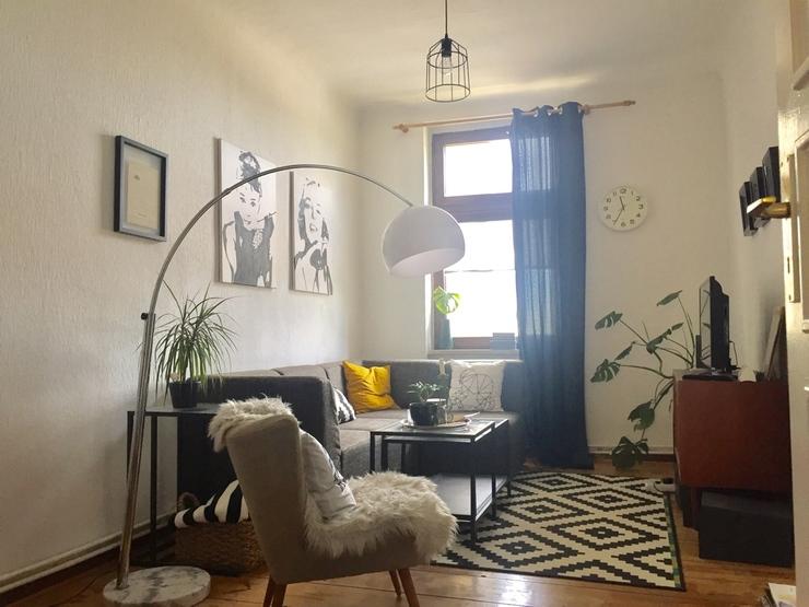 helle 2 zimmer wohnung wohnk che altbau super lage wohnung in berlin moabit. Black Bedroom Furniture Sets. Home Design Ideas