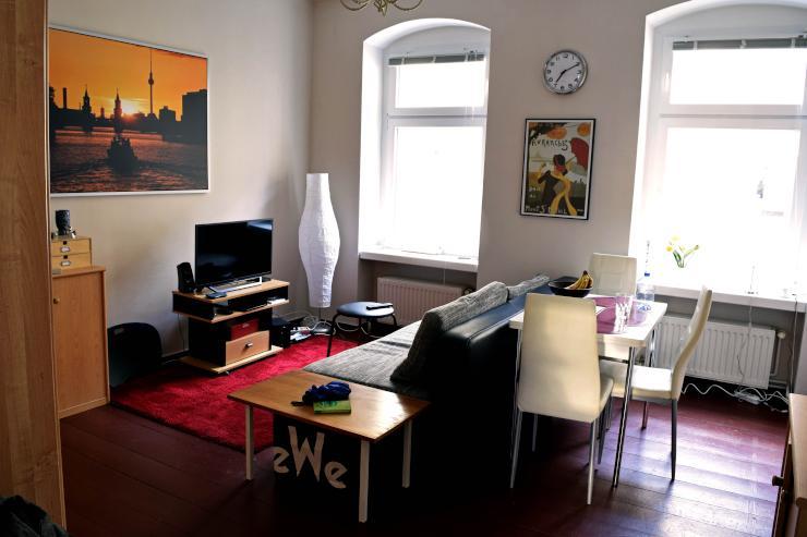 sch ne 2 zimmer wohnung im august short term rent 2 room apartment wohnung in berlin moabit. Black Bedroom Furniture Sets. Home Design Ideas