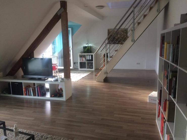 helle dachgeschosswohnung n he gemarkenplatz wohnung in essen holsterhausen. Black Bedroom Furniture Sets. Home Design Ideas