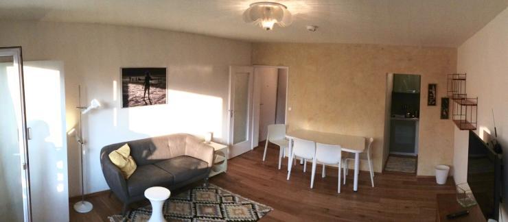 sch ne 1 zimmer wohnung mit balkon in bockenheim 1. Black Bedroom Furniture Sets. Home Design Ideas