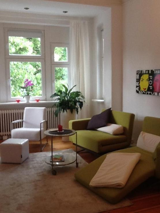 modern neu eingerichtete ein zimmer wohnung 1 zimmer wohnung in berlin tempelhof. Black Bedroom Furniture Sets. Home Design Ideas