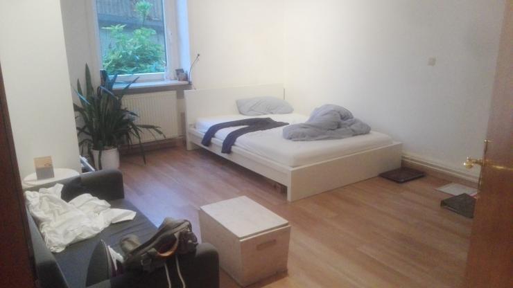 m bliertes 20m zimmer in r delheim m bliertes zimmer frankfurt am main r delheim. Black Bedroom Furniture Sets. Home Design Ideas