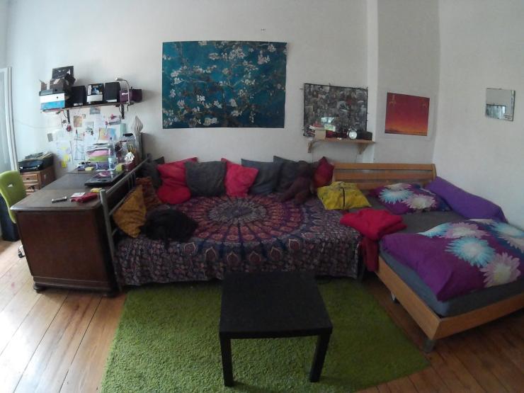 gro es m bliertes 24qm zimmer zur zwischenmiete wohngemeinschaft frankfurt oder m bliert. Black Bedroom Furniture Sets. Home Design Ideas