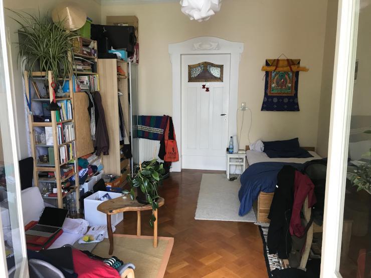 sch nes wg zimmer altbau 5 monate zwischenmiete super lage in der innenstadt. Black Bedroom Furniture Sets. Home Design Ideas