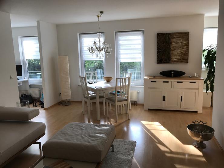 sch ne 3 5 zimmer wohnung in stuttgart s d heusteigviertel wohnung in stuttgart s d. Black Bedroom Furniture Sets. Home Design Ideas