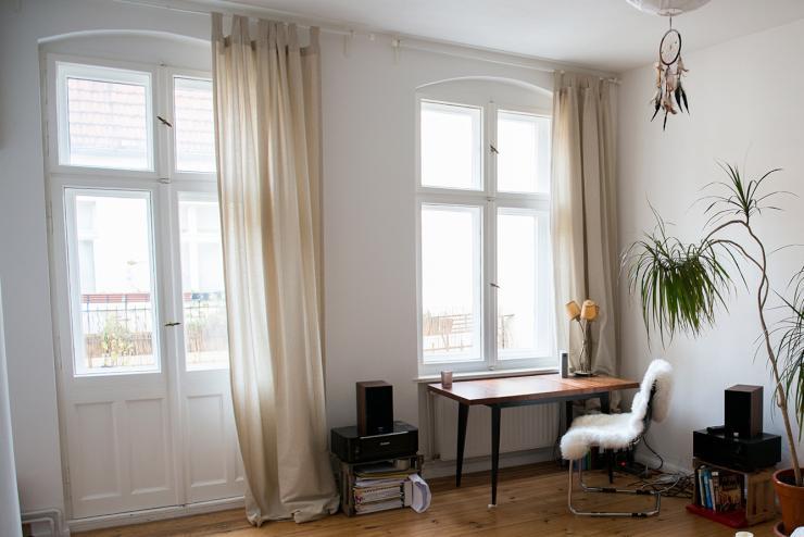 helle und ruhige 1 zimmer altbauwohnung zur kurzen untermiete ber feiertage 1 zimmer wohnung. Black Bedroom Furniture Sets. Home Design Ideas