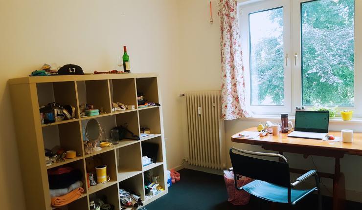 m biliertes 18qm zimmer in 3 er frauen wg innenstadt wg zimmer in bielefeld innenstadt. Black Bedroom Furniture Sets. Home Design Ideas