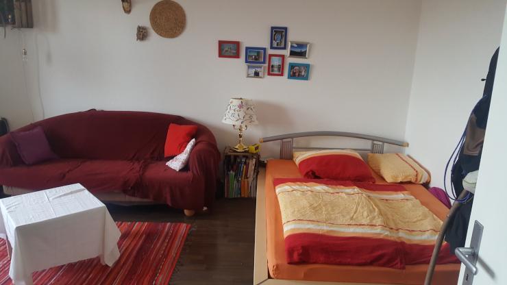 m bliertes zimmer f r ein monat zu vermieten wg zimmer in d sseldorf stadtmitte. Black Bedroom Furniture Sets. Home Design Ideas
