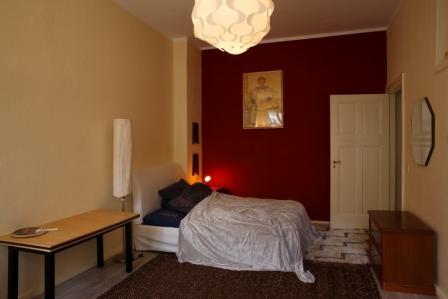 ruhige m blierte 1 zimmer wohnung in kreuzberg f r 1 2. Black Bedroom Furniture Sets. Home Design Ideas