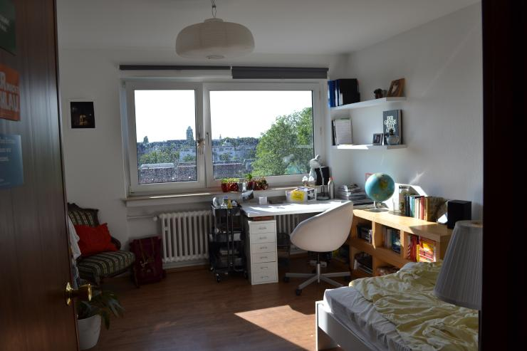 m bliertes 15 quadratmeter zimmer in netter 3er wg wohngemeinschaft in k ln zollstock. Black Bedroom Furniture Sets. Home Design Ideas