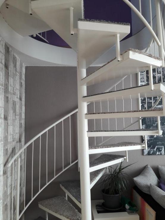 massionette wohnung wohngemeinschaften k ln m bliert. Black Bedroom Furniture Sets. Home Design Ideas