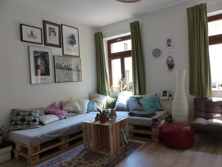 sch ne 2 zimmer wohnung in k ln bayenthal wg geeignet wohnung in k ln bayenthal. Black Bedroom Furniture Sets. Home Design Ideas