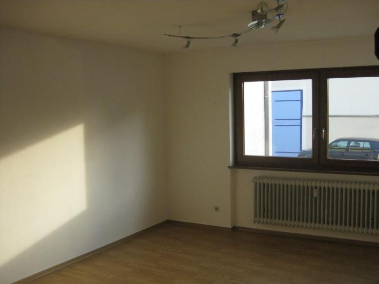 einfache 2 zi wohnung ohne balkon vorwiegend studentisch bewohntes haus wohnung in t bingen. Black Bedroom Furniture Sets. Home Design Ideas