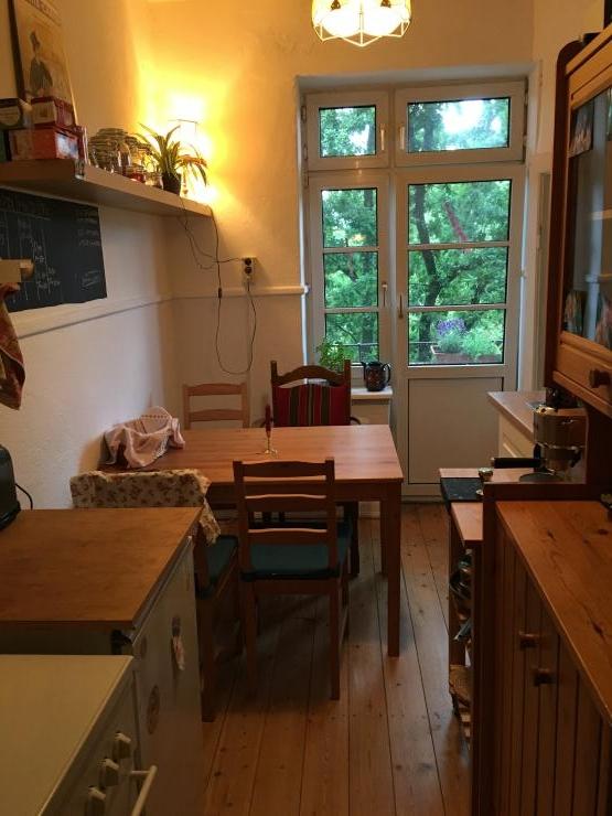 Sch ne 1 zimmerwohnung mit balkon 1 zimmer wohnung in for Zimmer in hamburg