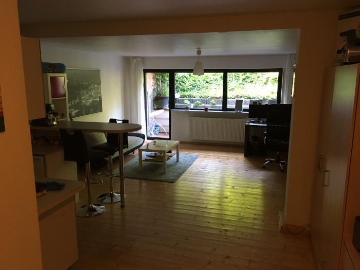 gro e 1 zimmer wohnung mit terrasse 1 zimmer wohnung in k ln weiden. Black Bedroom Furniture Sets. Home Design Ideas