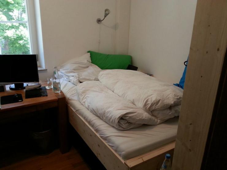m bliertes zimmer in netter 3 er wg auf zeit wg zimmer. Black Bedroom Furniture Sets. Home Design Ideas