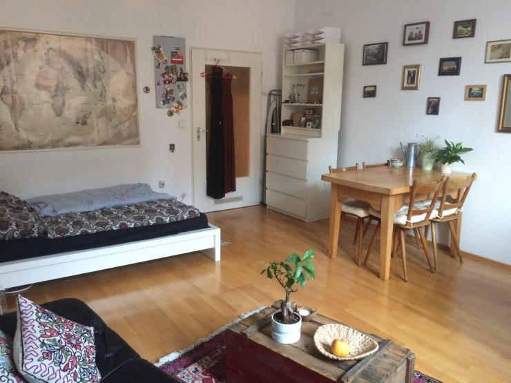 sehr sch ne 1 zimmer wohnung in der altstadt zu vermieten 1 zimmer wohnung in regensburg. Black Bedroom Furniture Sets. Home Design Ideas