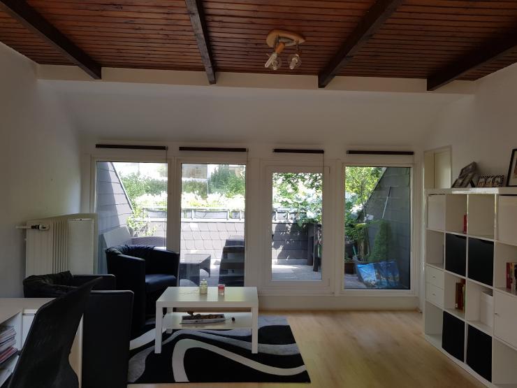 wundersch ne 1 zimmerwohnung mit balkon und separater k che 1 zimmer wohnung in aachen laurensberg. Black Bedroom Furniture Sets. Home Design Ideas