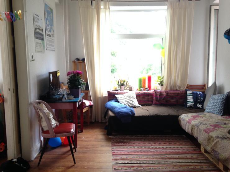 gem tliche gro e wohnung zur untermiete wg zimmer in kiel exerzierplatz. Black Bedroom Furniture Sets. Home Design Ideas