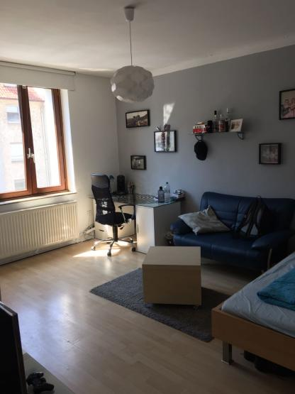 18 qm gro es zimmer zentral gelegen zimmer bielefeld stadtbezirk mitte. Black Bedroom Furniture Sets. Home Design Ideas