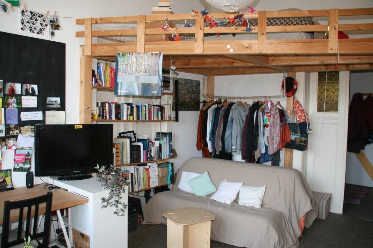 gem tliches m bliertes 20qm zimmer zur zwischenmiete wohngemeinschaft dresden m bliert. Black Bedroom Furniture Sets. Home Design Ideas