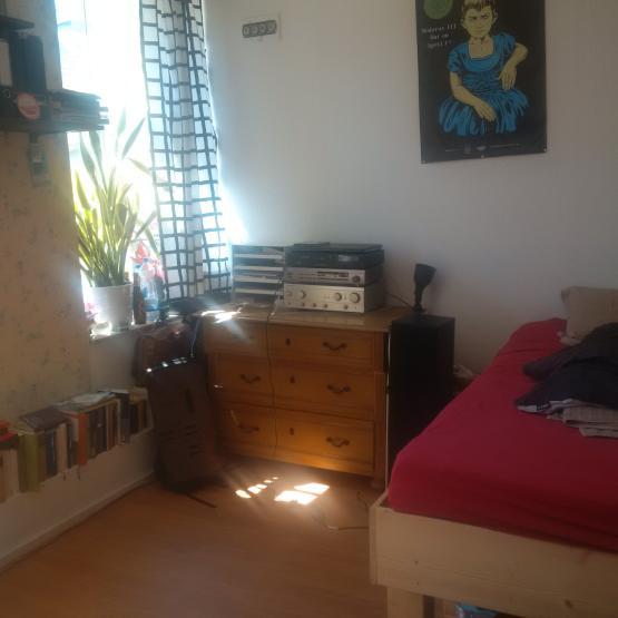 m beliertes 13qm zimmer in 7er wg in k ln ehrenfeld. Black Bedroom Furniture Sets. Home Design Ideas