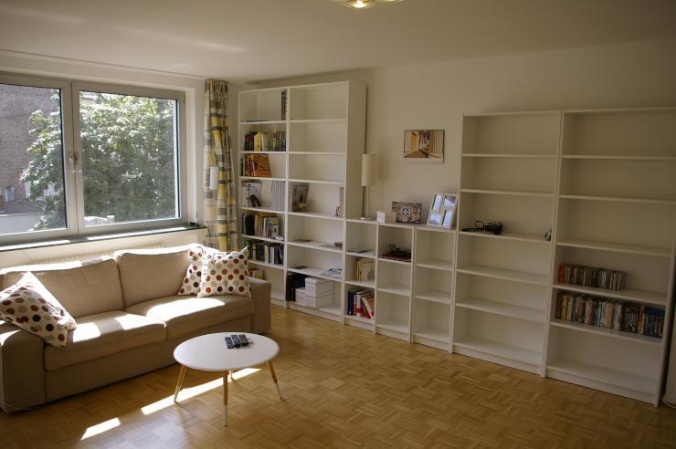 sch ne 2 zimmer wohnung im beliebten agnesviertel. Black Bedroom Furniture Sets. Home Design Ideas