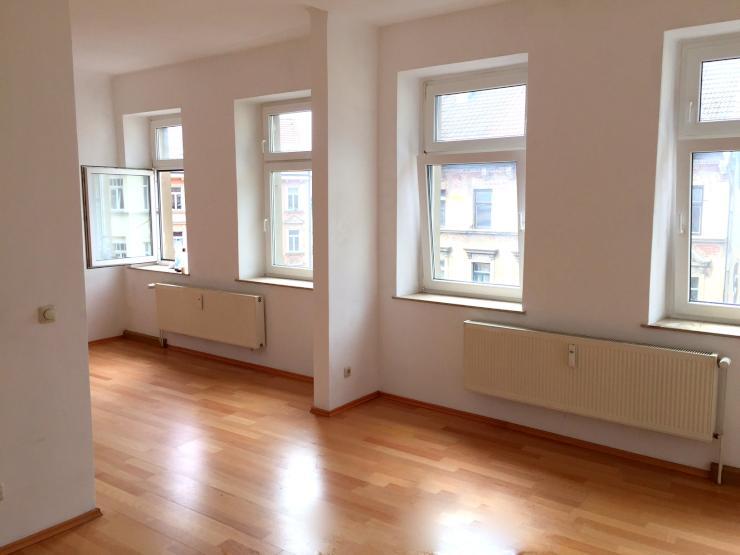 gro e helle 1 5 zimmer wohnung mit neuer k che in. Black Bedroom Furniture Sets. Home Design Ideas