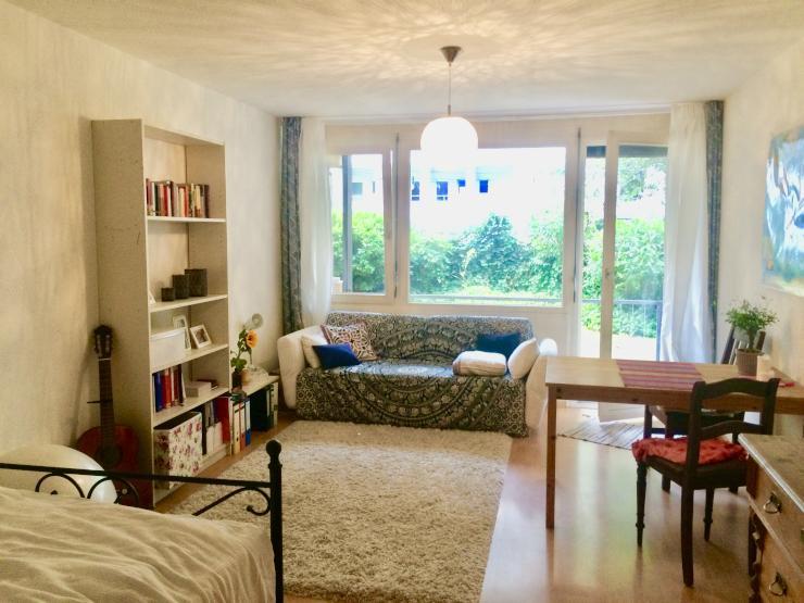 lichtdurchflutete einzimmerwohnung separate k che freiburg st hlinger 1 zimmer wohnung in. Black Bedroom Furniture Sets. Home Design Ideas