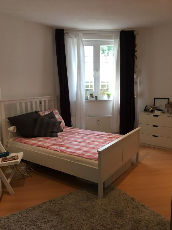 m blierte 1 zimmer wohnung in lindenthal zur zwischenmiete. Black Bedroom Furniture Sets. Home Design Ideas